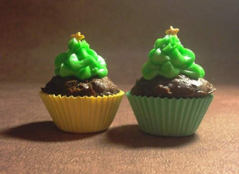 christmas tree chocolate brownie petit fours mini cupcake cases green tree yellow star