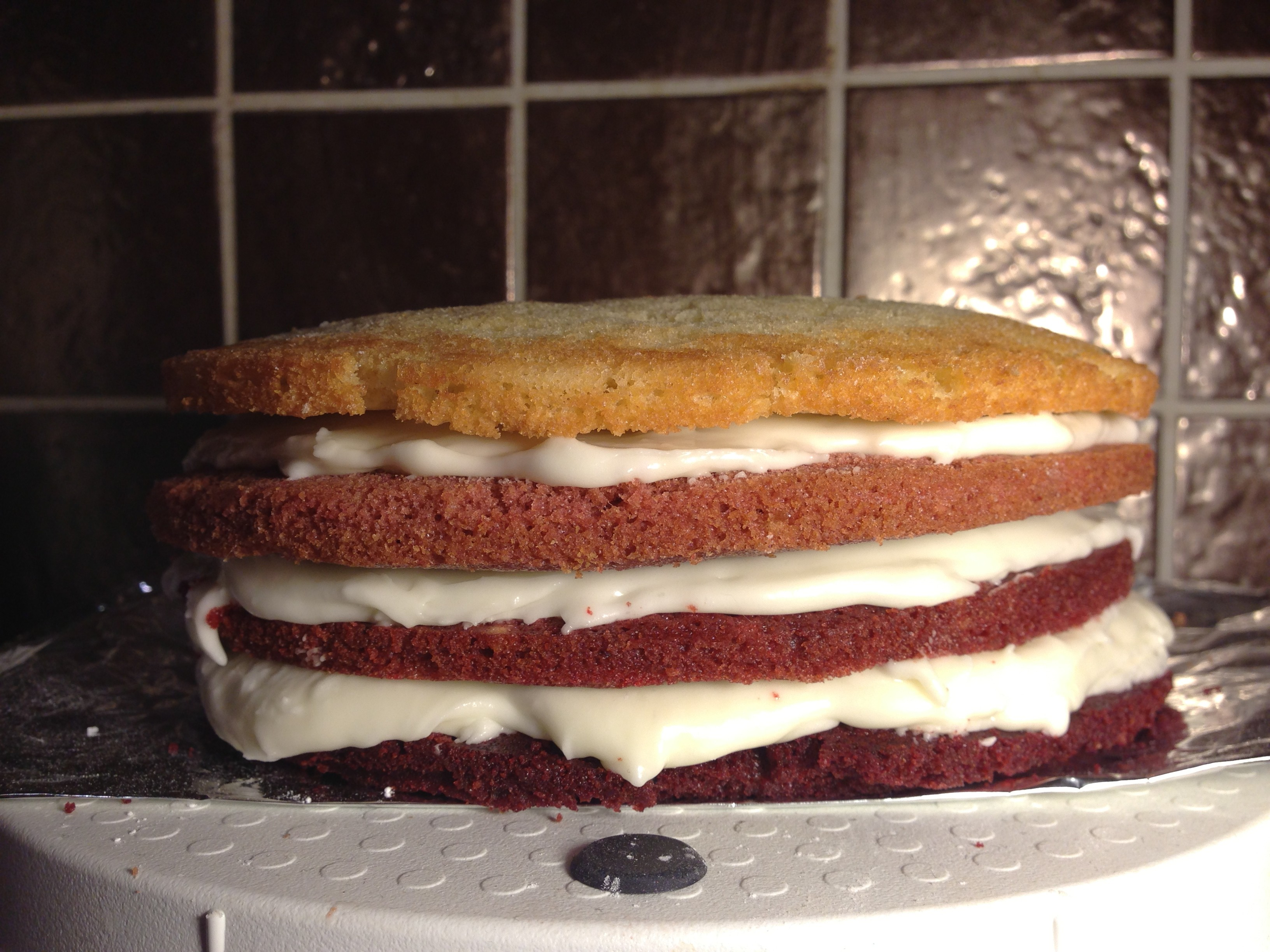 How To Cut And Stack A Cake Red Velvet