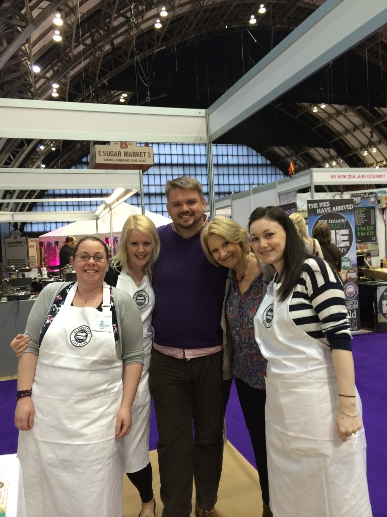 clandestine cake club team with glenn cosby and christine wallace gbbo 2013 cake and bake show 2014