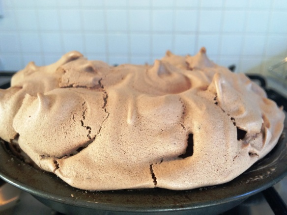 baked mocha meringue topping for cake using sugar and crumbs mochalicious